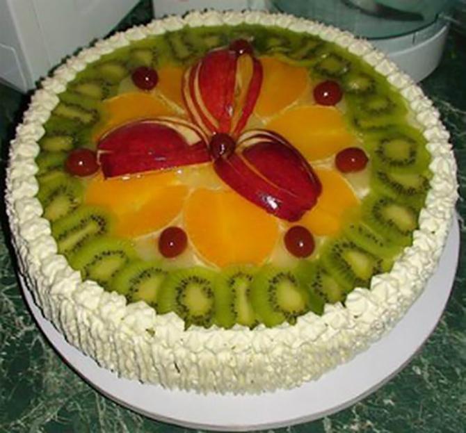 Украшение ягодами и фруктами