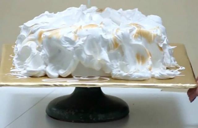 Торт облитый заварным кремом