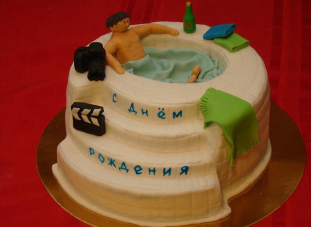 Торт-бассейн с украшением из мастики
