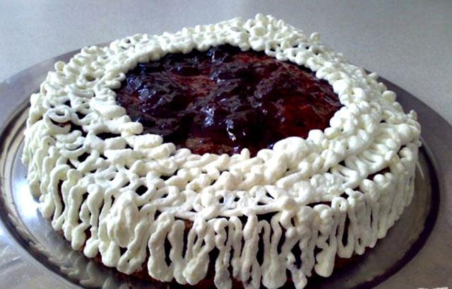 Маковый торт с вареньем
