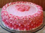 Крема, которыми можно украсить праздничный торт и они будут весь  вечер хорошо держать форму
