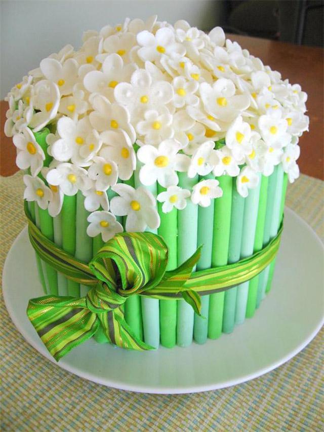 Торт в виде букета цветов