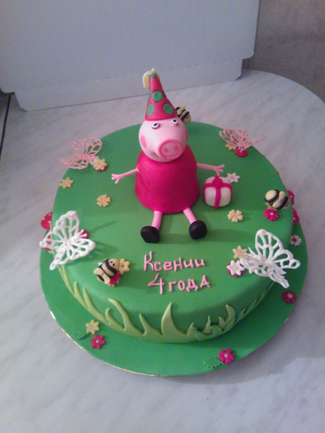 Торт с персонажем из мультика