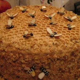 Торт с пчелками