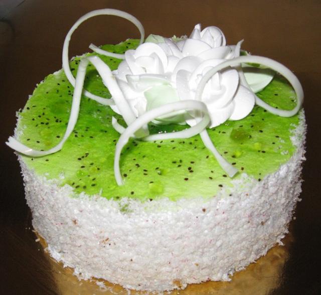 Торт с украшением