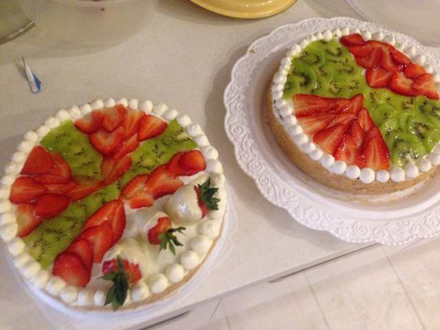 Торт с киви и клубникой