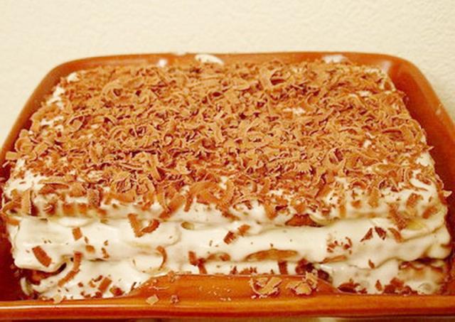 Торт на подносе