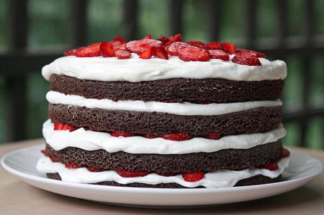 Шоколадный торт со сметанным кремом рецепт с фото