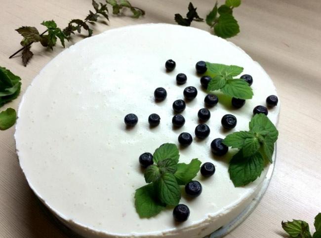 Торт из творога и желатина - без выпечки, без печенья