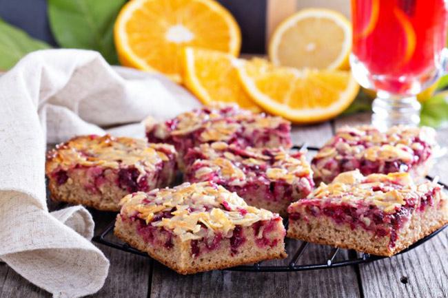 Пирог с вишней: рецепт с фото