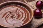 Как растопить шоколад на водяной бане: советы
