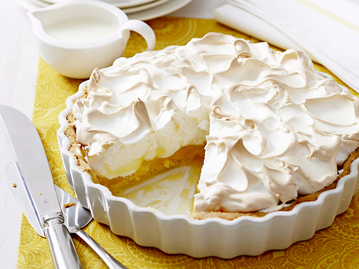 пирог из яблог и безе
