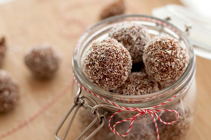 снежные шарики с кокосовой стружкой