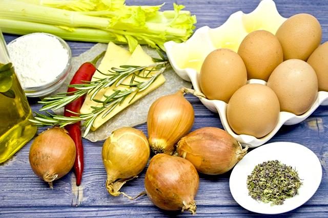пирог ингредиенты с луком и яйцом