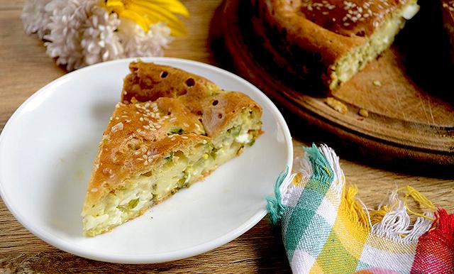 приготовление пирога с луком