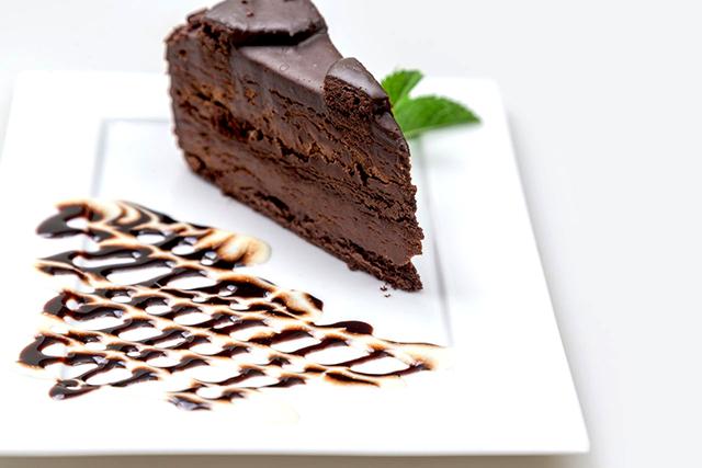шоколадный торт три шоколада