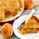 Пирог с консервированными персиками: пошаговый рецепт