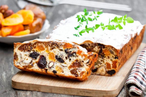 Ореховый кекс с сухофруктами