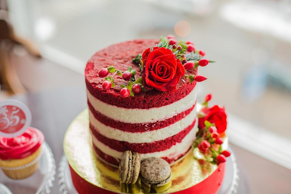 Свадебный торт Красный бархат