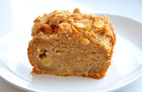 Творожно-яблочный кекс