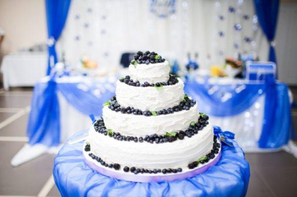 Свадебный торт с капкейками «Песочное искушение»